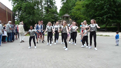 """Auftritt der Tanzgruppe """"Knockout"""" unter der Leitung von Neele Schellenberg (Quelle: Jürgen Adams- Wiesmoor Info Blog)"""