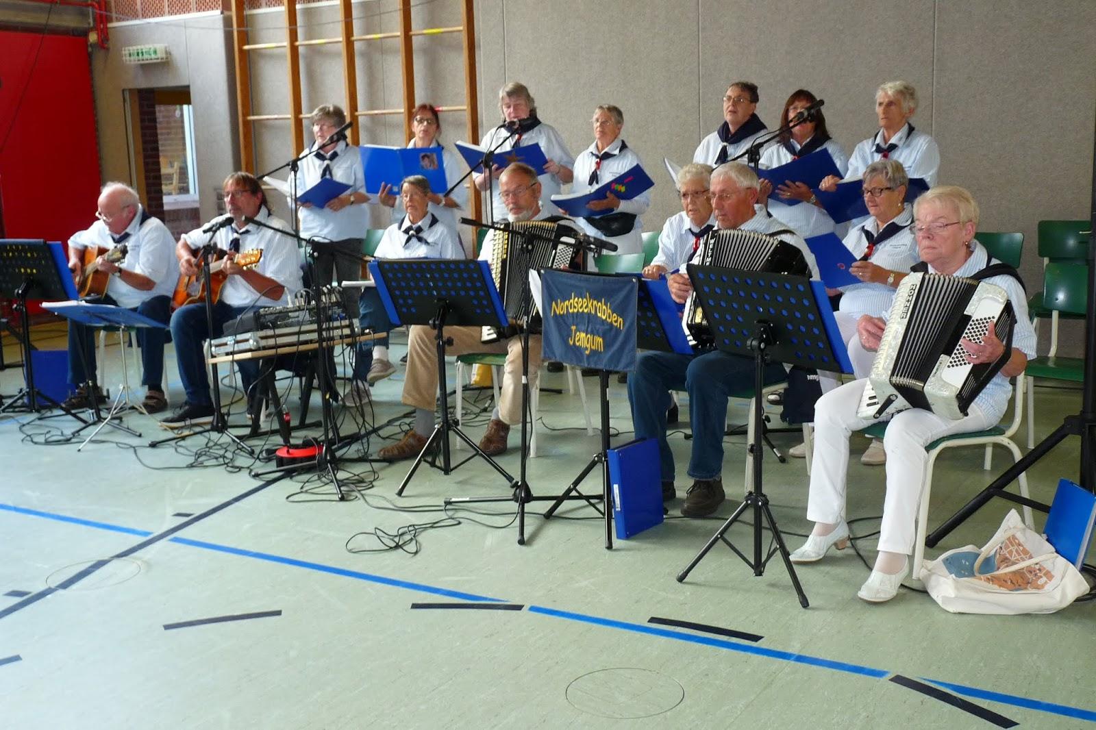 Die Nordseekrabben aus Jemgum begleiteten das Fest musikalisch - Quelle: Hans-Jürgen Adams - Wiesmoor Info Blogspot